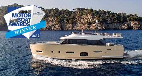 Azimut Magellano 66 was awarded with the Motor Boat Awards 2017